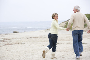 bigstock-Couples-At-The-Beach-Holding-H-4134051 (1)